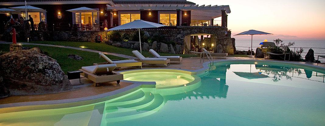 Sorgente solare piscine da sogno salute e benessere for Arredi per piscine